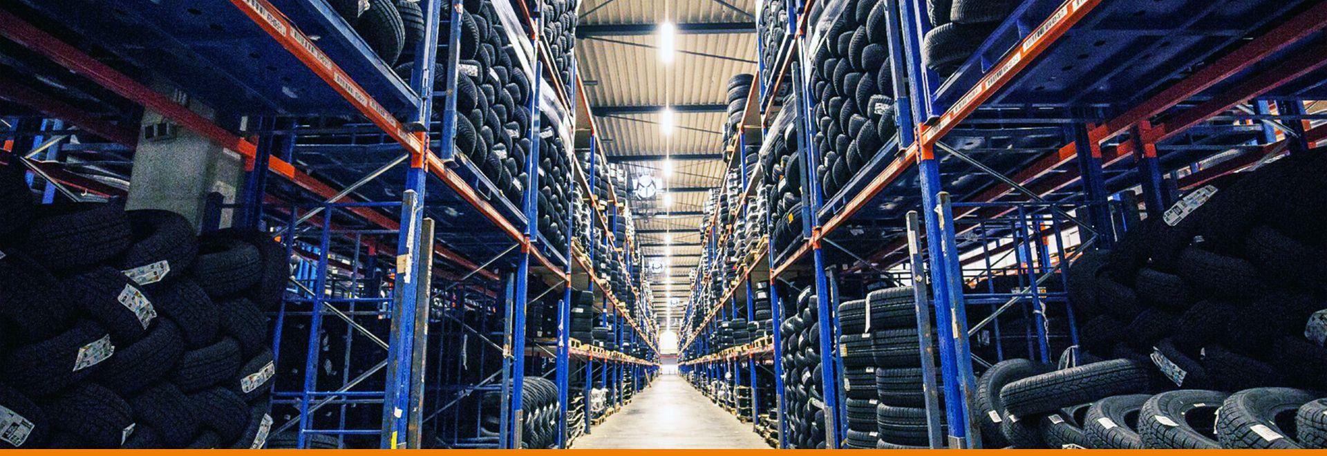 IHLE Reifengroßhandel Lager mit Mitarbeiter