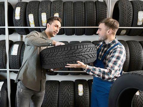 Beratung beim Reifenkauf durch die SEBRING Stützpunkthändler